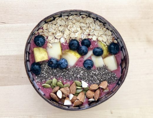 здрава смути чинија за појадок